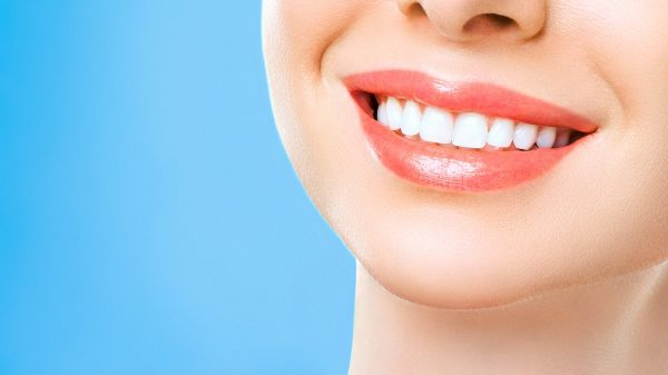 Regular-visits-to-Newport-Beach-dentist-prevent-dental-problems