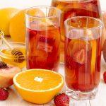 use-honey-sticks-to-make-fantastic-drinks-for-the-summer